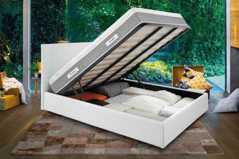 Sano con letto contenitore bianco aperto